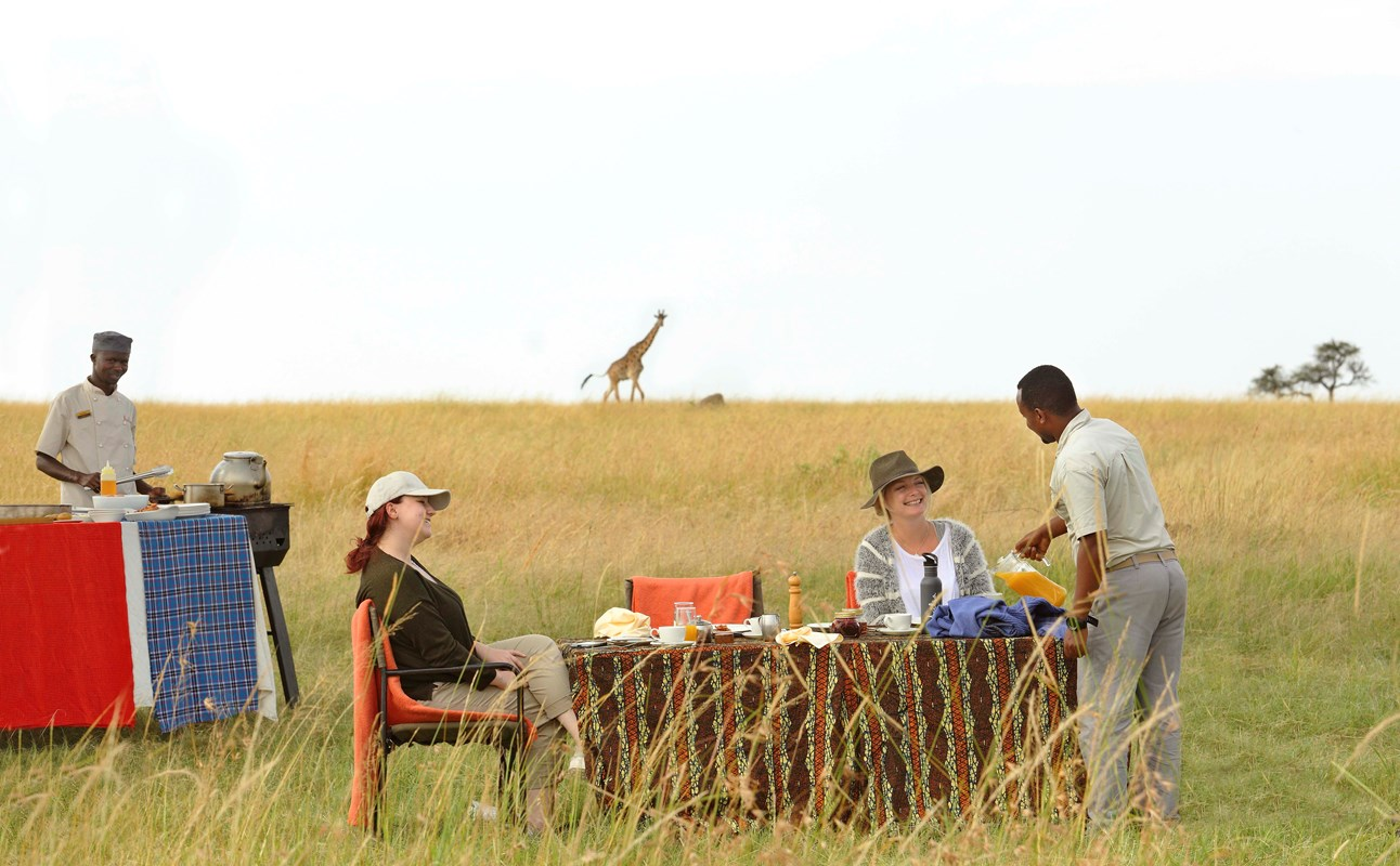 17. Olakira Bush Breakfast With Chef Cooking Out In The Serengeti