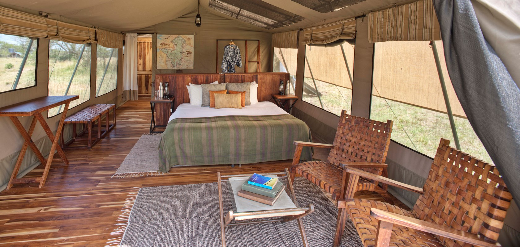 2. Olakira En Suite Double Room With Wooden Deck Platform And Lounge Area