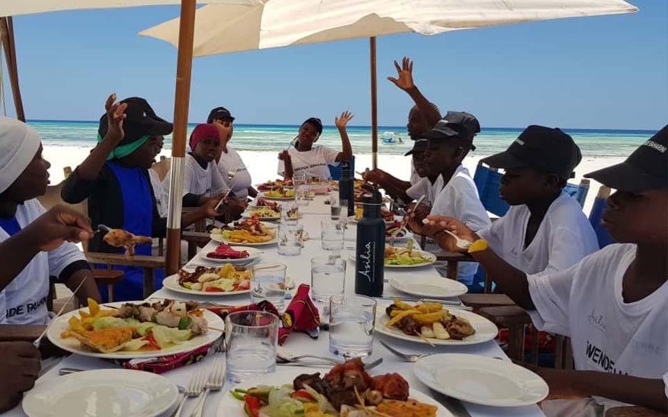 twende baharini lunch on the beach