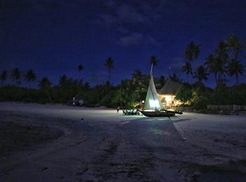 twende baharini open air cinema on beach featured img