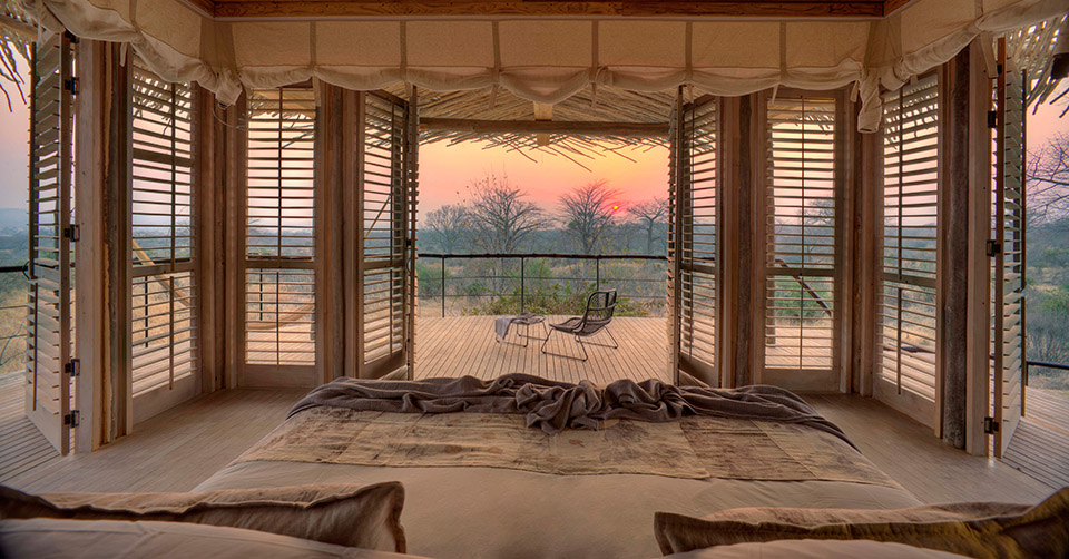 With views over Ruaha from every corner of the room, the suites are designed to maximise the stunning landscape beyond.