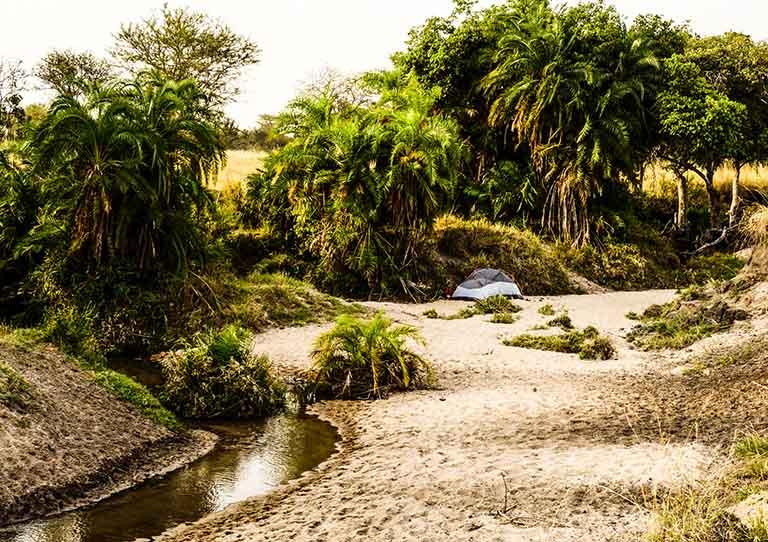wayo-walking-fly-camp-riverbed-asilia-adventures